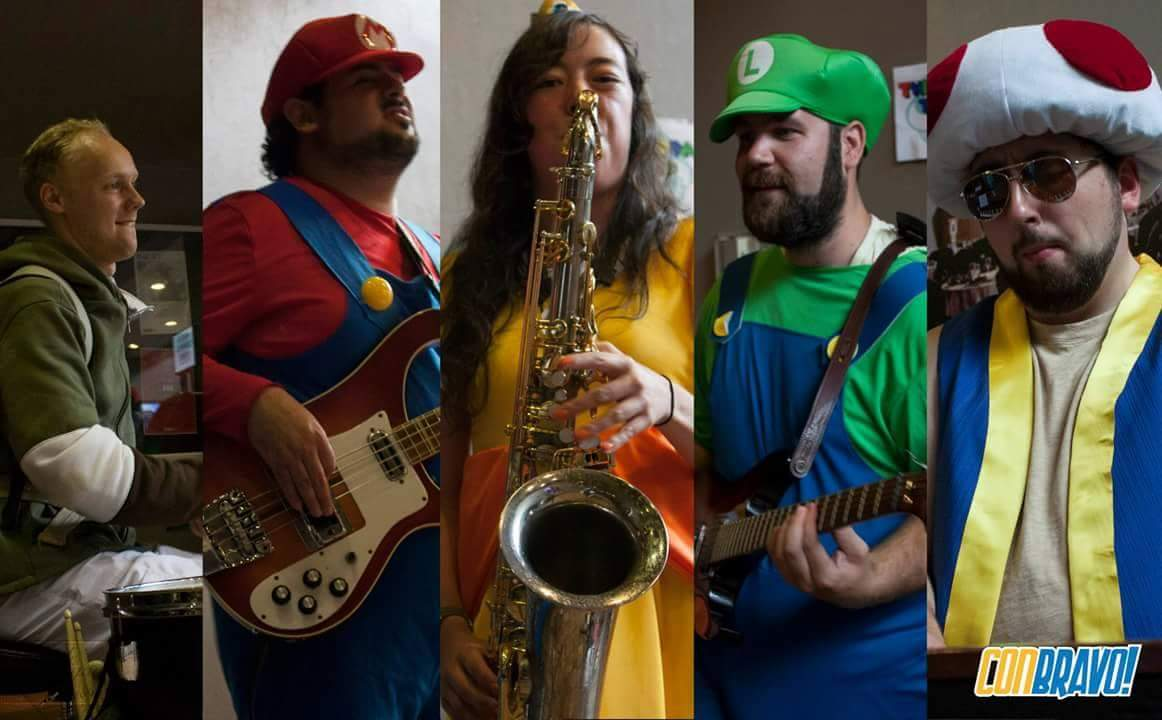 Link, Mario, Daisy, Luigi and Toad play at ConBravo!